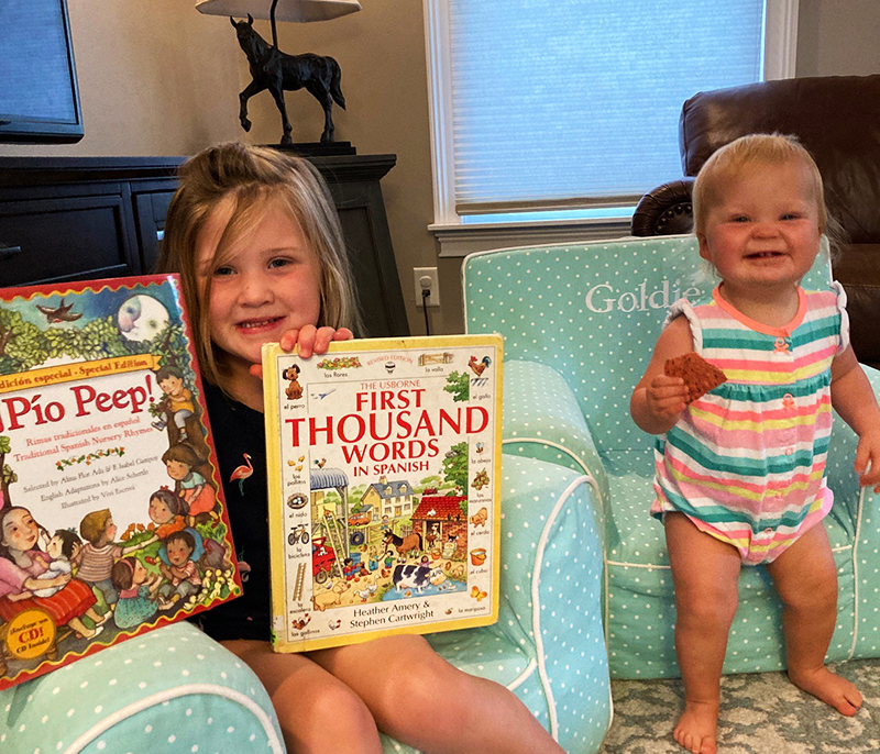 Poppy and Goldie love to read!